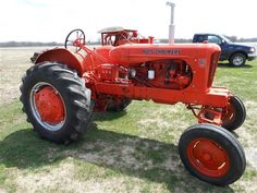 Allis-Chalmers WD-45! It's Good Ol' Allis! To learn more about this great machine go here: http://tractorfacct.blogspot.com/2016/09/allis-chalmers-wd-45-for-many-people.html