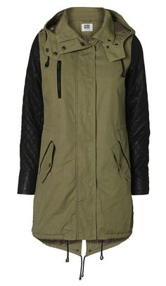 I really want a parka in military green. With a fur trim is a bonus! This is Gianna 3/4 Parka by Vero Moda.