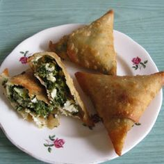 Chachi's Kitchen: Cheese and Spinach Samosa