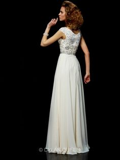 Chic Ball Gown High-Neck Sleeveless Chiffon Beading Dress