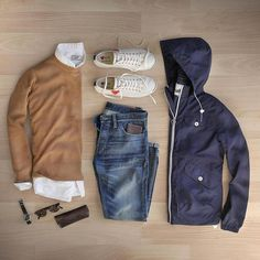 Autumn essentials - a classic pack for an everyday getaway, neutral whites and blues accented by camel 📷 by Casual Work Outfits, Mode Outfits, Fashion Outfits, Smart Casual, Men Casual, Outfit Grid, Well Dressed Men, Gentleman Style, Mens Clothing Styles
