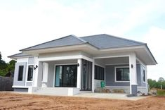 Bungalow Style House, Modern Bungalow House Design, Modern Bungalow Exterior, Modern Small House Design, Modern House Facades, Sims House Design, Bungalow House Plans, Minimalist House Design, Model House Plan