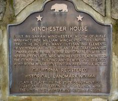 The Bizarre Story Behind The Winchester Mystery House Winchester Mystery House, Winchester Homes, Winchester Rifle, Haunted Places, Abandoned Places, American Mansions, Creepy Houses, Carpenter Work, Mystery Of History