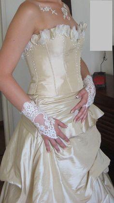 Robe de mariée d'occasion avec jupe et bustier à Vittel - Vosges