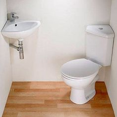 Дизайн маленькой ванной комнаты, как и дизайн любых помещений в маленькой квартире, сопряжен с определенными трудностями и ограничениями. Но любой владелец жилья хочет иметь неповторимую, красивую и при этом функциональную ванную. Чтобы распланировать пространство, нужно определить потребности хозяина ванной и возможных гостей. Потребности можно рассортировать на несколько позиций: технические возможности, параметры роста и веса хозяина квартиры, рациональность, минимум и максимум…