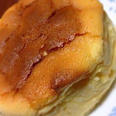 今日は義母のお誕生日 いつもの手抜きケーキではなく、 ちゃんと作りました(・・;)(笑) - 21件のもぐもぐ - スフレチーズケーキ by Mahru