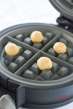 Waffeln to go Rezept Waffelkekse oder kleine Kuchen Easy Cake Recipes, Easy Desserts, Cookie Recipes, Dessert Recipes, Waffle Maker Recipes, Best Cookies Ever, Party Finger Foods, Pancakes And Waffles, Beignets