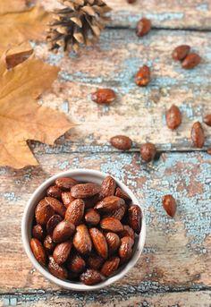 maple-cinnamon-roasted-almonds
