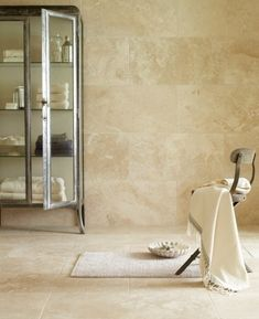 Stonecrush – travertine bathroom