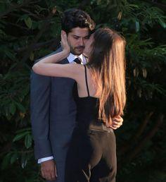 Aşk; asansöre bindikten sonra kapının kapanmasını sabırsızlıkla beklemektir❤ çünkü aşkın ne yeri vardır ne de zamanı.. Cidades Do Interior, Hiit Workout At Home, Cute Love Pictures, Romance, Endless Love, Turkish Beauty, Turkish Actors, Couple Shoot, Woman Face