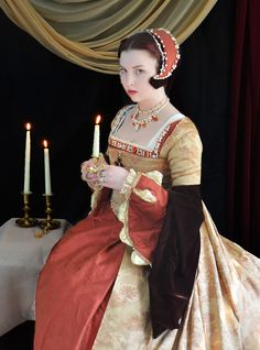 Completed Work – Angela Clayton's Costumery & Creations Mode Renaissance, Renaissance Fashion, Renaissance Clothing, Italian Renaissance, Tudor Costumes, Medieval Costume, Medieval Gown, Movie Costumes, Historical Costume