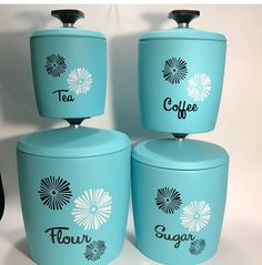 Look at these stunning Midcentury canisters, they would look fantastic in my 1950s styled house! Check out the wonderful page of @fenderskirts_vintage , with an EBay and Etsy shop too! ❤ . . . #midcentury #retrohome #vintagehome #vintagedecor #atomicswag #vintage #retroliving #colour #retrocool #retro #atomic #1950s #fifties #50s #canisters #kitchenalia