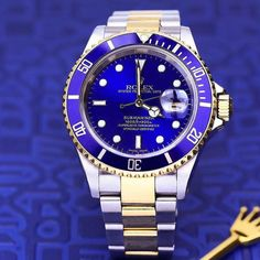Rolex Submariner Blue Dial Stainless Steel and Yellow Gold Bracelet Automatic Men's Watch Rolex Watches For Men, Luxury Watches For Men, Stylish Watches, Cool Watches, Rolex Tattoo, Rolex Submariner Blue, Rolex Women, Gold Rolex, Swiss Army Watches