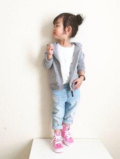 足元に春を*(Ü*ૢ)* VANSのスニーカー 春カラーがいっぱいです♡ ピンクのハイカット めちゃ