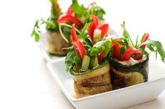 GRILLED ZUCCHINI ROLLS WITH WILD ROCKET