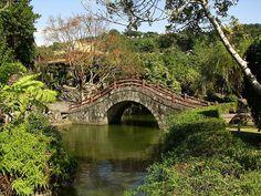 Shuangxi Park And Chinese Garden Taipei For Amazing Chinese Garden Design Ideas Asian Garden, Chinese Garden, Chinese Courtyard, Taiwan Travel, Little Island, Travel Deals, Park, Garden Bridge, Pavilion