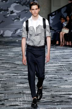 Neil Barrett Spring 2016 Menswear Fashion Show