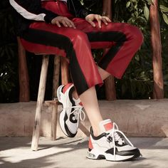 he bigger the better. This season's sneakers are all about exaggerated details. Latest Fashion Design, Designer Collection, Karl Lagerfeld, Sneakers Nike, Good Things, Detail, Big, Womens Fashion, Shoes