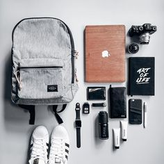 Daily essentials.. Camera, laptop, wallet, etc always in my bag.. Nice Fossil bag from @urbaniconstore #essential #flatlays #whiteaddict