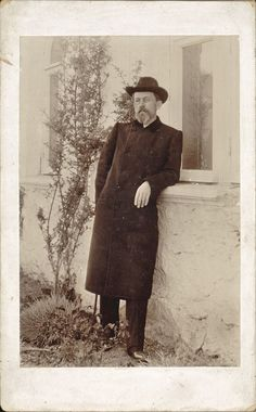 Anton Chekhov, Russian Literature, Russian Art, Old Photos, Authors, Theatre, Cool Art, Writer, Poetry