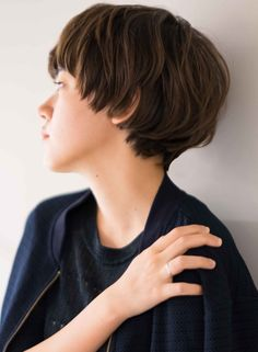 大人可愛い骨格美ハンサムマッシュショート(髪型ショートヘア) Very Short Hair, Short Hair Styles Easy, Short Hair Cuts, Medium Hair Styles, Short Hairstyles For Women, Hairstyles With Bangs, Japanese Short Hair, Shot Hair Styles, Grunge Hair