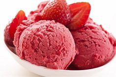 Strawberry Sorbet Flavoring is available from Natures Garden cosmetic making supplies. Use our strawberry flavor oil in your homemade cosmetic recipes Gourmet Recipes, Healthy Recipes, Healthy Food, Healthy Bedtime Snacks, Steak In Oven, Flavored Oils, Strawberry Ice Cream, Strawberry Kitchen, Food Print