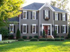 29 ideas exterior paint colors for house gray vinyl siding black shutters for 2019 Exterior Gris, Exterior Design, Exterior Shutters, Black Exterior, Outdoor Shutters, Exterior Houses, Colonial Exterior, Traditional Exterior, Window Shutters