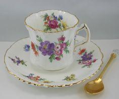 Encantador, Hammersley taza y platillo, patrón Floral delicado, llantas de oro…