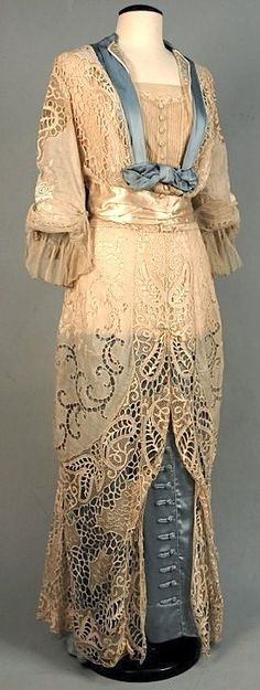 historicalfashion:  Lace over satin gown | Whitaker Auctions | c. 1912