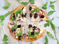 Healthy grain-free thin crust pizza topped with… Low-Carb Thin Crust White Pizza. Healthy grain-free thin crust pizza topped with goat cheese kalamata olives onion and fresh rocket drizzled with extra virgin olive oil. Low Carb Recipes, Healthy Recipes, Vegetarian Recipes, Pizza Recipes, Healthy Eats, Lowcarb Pizza, Paleo Pizza, White Pizza, Good Food