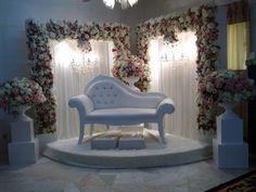 All About Weddings by Zaifie Zainal: Wedding of Ben & Manis | Pelamin sudut