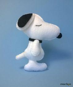 Oiê! Hoje vou mostrar pra você como fazer o Snoopy, vem comigo. :)
