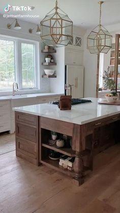 Rustic Kitchen Island, Farmhouse Style Kitchen, Modern Farmhouse Kitchens, Home Decor Kitchen, Kitchen Interior, Home Kitchens, Kitchen Island Countertop Ideas, Lake House Kitchens, Square Island Kitchen