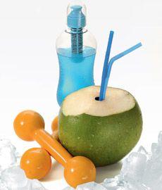O poder de hidratação do coco  ...so I can drink cocounut juice :)