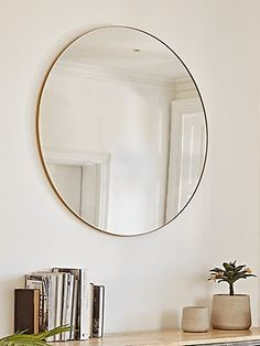 Our mirror has an elegant sleek gold frame, and despite its large size it doesnt take any more space than it needs. A chic, impactful way to add light and space to your interior, wherever you may need it. Living Room Mirrors, Wall Mirrors, Gold Wall Mirror, Diy Mirror, Gold Bedroom, Bedroom Decor, Hallway Furniture, Round Mirrors, Round Brass Mirror