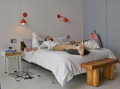 Hanging out with style #aptdeco #furniture #usedfurniture #homedecor #homegoals #bedroom #instahome #instadecor #instagood #weekend #nyclife #nyc #washingtondc