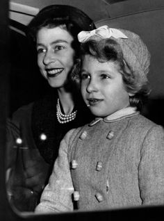 Classic Royal Pics Queen Elizabeth 2 and her daughter Princess Anne Hm The Queen, Her Majesty The Queen, Save The Queen, Royal Princess, Prince And Princess, Timothy Laurence, Prinz Philip, Princess Margaret, Queen Elizabeth
