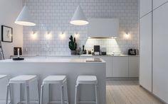 Home of Lotta Agaton - all white kitchen All White Room, All White Kitchen, White Rooms, Scandinavian Kitchen, Scandinavian Modern, Sweet Home, Style Deco, Kitchen Images, Kitchen Designs