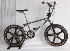 1985 Hutch Trickstar Futuristic Black - Old School BMX