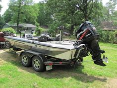 For Sale 2004 champion bass boat @ www. - Re-Wilding Bass Boats For Sale, Fishing Equipment For Sale, Bass Fishing Boats, Boat Dealer, Boat Projects, Pontoon Boat, It Goes On, Water Crafts, Paddle Boarding