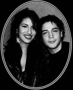 Selena y Chris Selena Quintanilla Perez, Divas, Selena And Chris Perez, Betty Davis, Jackson, Mexican Outfit, She Movie, Old Soul, Now And Forever