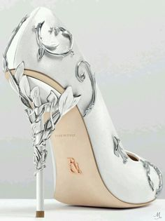 Outstanding silver heels for prom. Stylish and trendy silver heels for prom. Prom heels that you can afford and look beautiful. Pretty Shoes, Beautiful Shoes, Cute Shoes, Women's Shoes, Me Too Shoes, Shoe Boots, Shoes 2016, Shoes Men, Converse Shoes