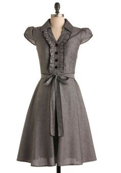 This dress makes me drool.  Too bad it's no longer available on ModCloth.  :'(