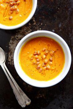 Zupa z dyni z kurkumą