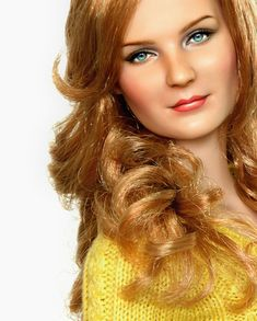 Filipino artist Noel Cruz is a well known master in painting dolls. He takes ordinary Barbie dolls and with using his outstanding skills creates dolls Vintage Barbie, Realistic Dolls, Doll Painting, Kirsten Dunst, Doll Repaint, Dollhouse Dolls, Barbie World, Hollywood Actor, Custom Dolls