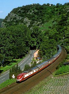 TEE train