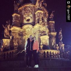 Many of our U.S. volleyball players compete in leagues overseas during the winter. Jordan Larson and Molly Kreklow explored Czech Republic while competing with their Turkish team #eczacibasi #humansofvb by #usavolleyball http://ift.tt/1PEJ6RL