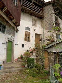 Campiglia Cervo (Biella, Italy) - Old houses between the Sanctuary of San Giovanni and Oretto