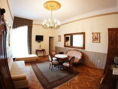 Wnętrza apartamentów w Krakowie oferujących tanie noclegi http://apartamenty-florian.pl/apartamenty/apartament-dla-4-osob/