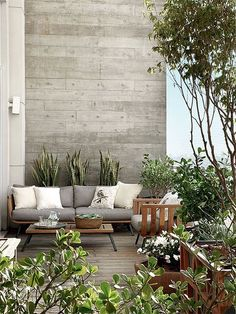une terrasse design / bois et gris Outdoor Rooms, Outdoor Gardens, Outdoor Living, Outdoor Furniture Sets, Outdoor Decor, Outdoor Decking, Rustic Furniture, Balcony Furniture, Indoor Garden